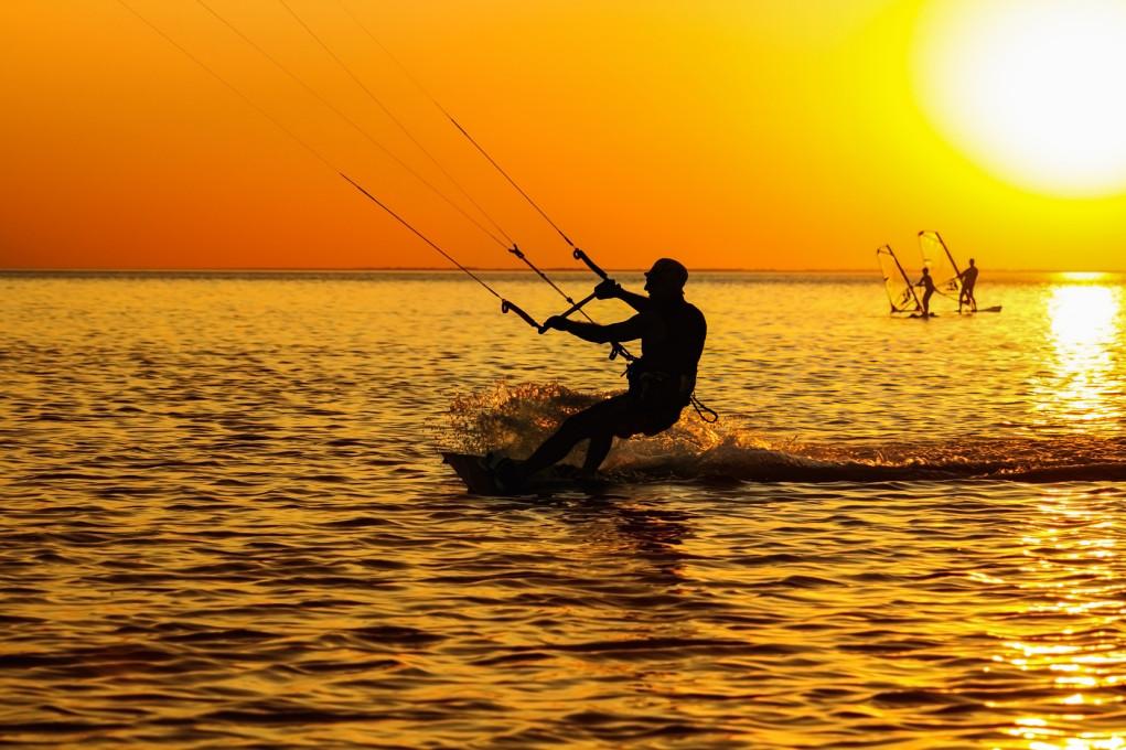 Windsurfing i kitesurfing nad Zatoką Pucką