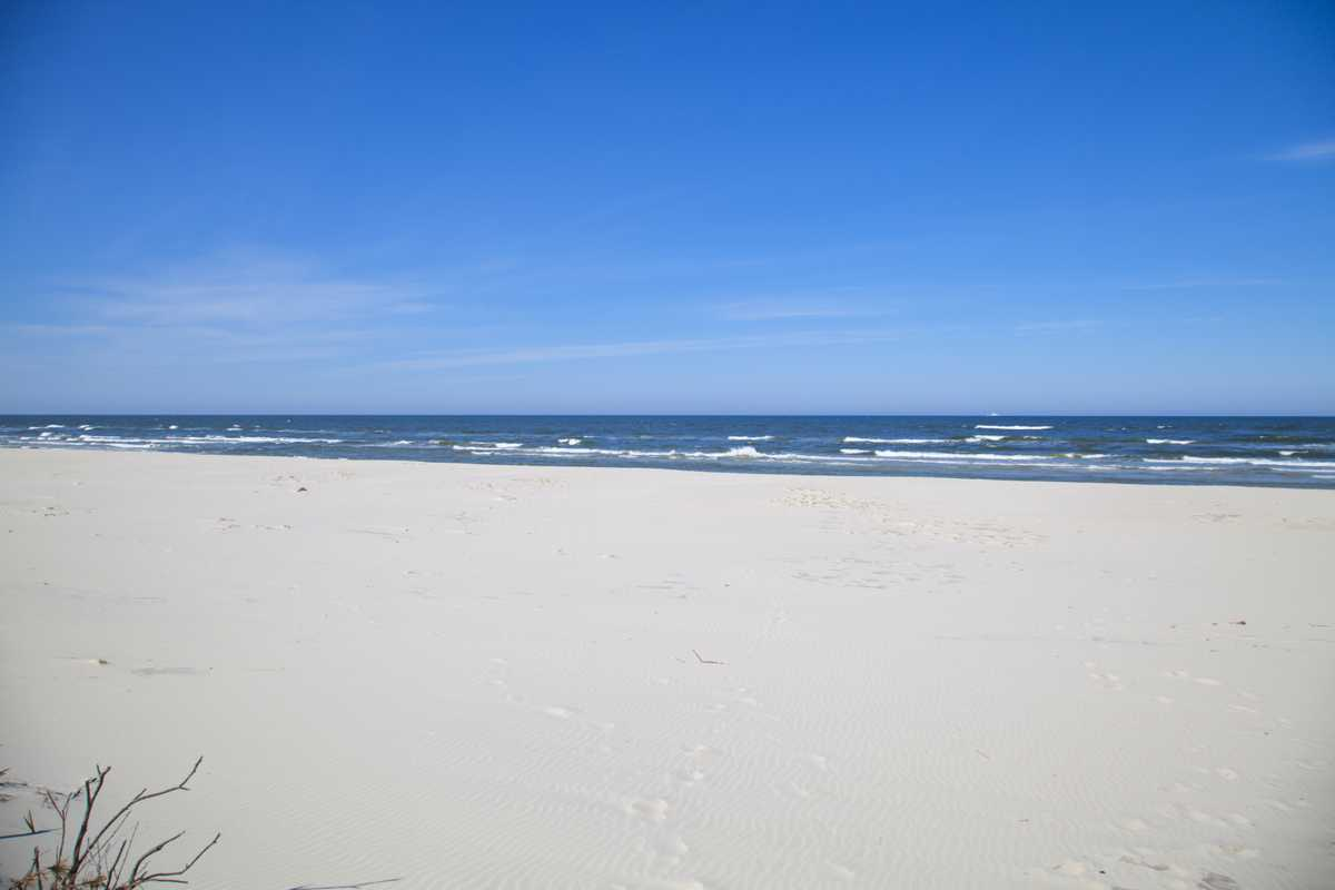 Piękna plaża w Dębkach